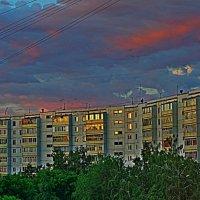 Солнце садится :: Григорий Кучушев