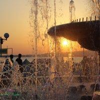 закат у фонтана :: Тыртышных Светлана