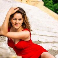 Девушка в красном :: Алина Жадан