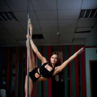Pole dance (для критики) :: Toni Merkel