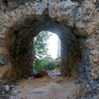 Стены древней крепости. :: Чария Зоя