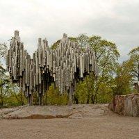 Памятник Яну Сибелиусу в Хельсинки :: Олег Попков