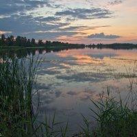 Закат над Лебяжьим озером. :: Виктор Евстратов