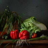 Овощи и лохматый лук. Вариант :: Татьяна Карачкова