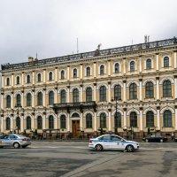 На Исаакиевской площади :: Константин Бобинский