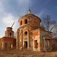 Разрушенный храм :: Константин