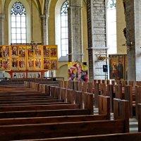Внутренний вид церкви Нигулисте :: Олег Попков