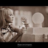 Девушка с коктейлем :: Евгений Ланин