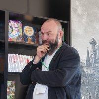 На книжном фестивале на Красной площади :: marmorozov Морозова