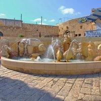 Зарисвка в Яффо...у фонтана... :: Alex S.