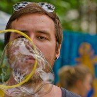 Мыльный пузырь. :: Виктор Евстратов