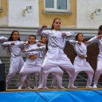 Городские танцы :: Eugen Pracht