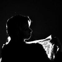 Портрет в луче света. :: Дмитрий Воронин