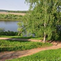 у реки :: Августа