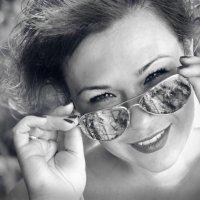Красота женщины не в одежде, фигуре или прическе. Она — в блеске глаз... :: Ксения Заводчикова