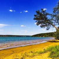 Манящий пляж :: Анатолий Иргл