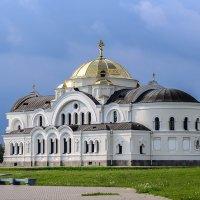 Гарнизонный храм Брестской крепости :: Валерий Чернов