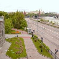 Вид с Патриаршьего моста :: Владимир Болдырев