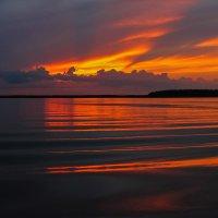 озеро спать ложится... :: Виктор Грузнов