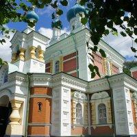 Жемчужина Мариенбурга -  красивая Покровская церковь :: Елена Смолова