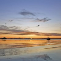 Пейзаж с корабликом :: Максим Судаков