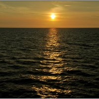 Какой восход без солнечной дорожки....)) :: tipchik