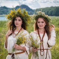 Юлия и Елена :: Юрий Пахомов