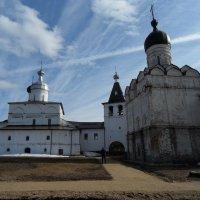 Церковь Рождества Богородицы и церковь Благовещения :: Ирина Л