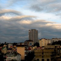 Тучи над вечерним  Сочи... :: Vladimir 070549
