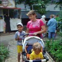 На прогулке :: Нина Корешкова