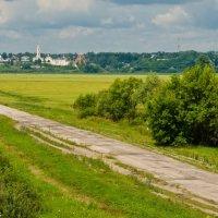 Белёв-вид с трассы. :: Виктор Евстратов