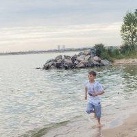 Бегущий по морю :: Наталия Панченко
