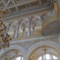 Белое и золотое :: Дмитрий Лебедихин