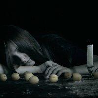 Девушка  с  абрикосами. :: Валерия  Полещикова