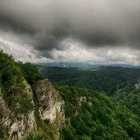 Под сенью облаков :: Виталий Павлов