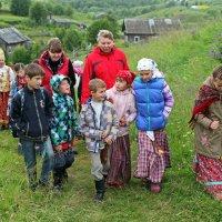 Русский Север. Село Нёнокса. Ребята-нёноксята :: Владимир Шибинский