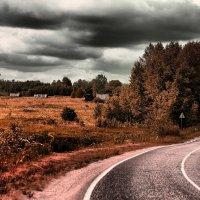 Далеко бежит дорога... :: Дмитрий Кристиан