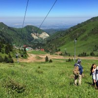 Алматинцы имеют редкую привилегию:  жить в большом городе и наслаждаться отдыхом в больших горах. :: Anna Gornostayeva