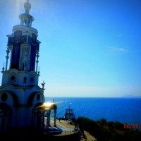 Церковь -  маяк :: неля  тулузова