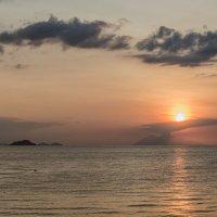 закат похожий на вулкан :: Александр