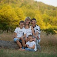 Самое дорогое, самое важное, самое близкое, что есть у нас – это наша семья. :: Екатерина Ковалева
