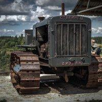 Трактор времён войны. :: Виктор Грузнов
