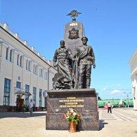 Памятник мастерам -оружейникам в Туле :: Сергей F