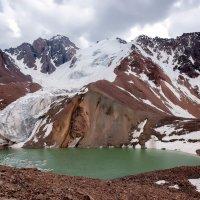 озеро и ледник Маншук Маметовой :: Владимир Амангалиев