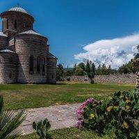 Пицундский храм х века :: Александр Хорошилов