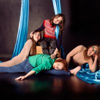 Воздушные гимнастки :: Светлана Чуркина