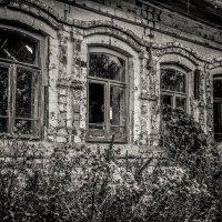 """""""ОКНА БРОШЕННОГО ДОМА"""" .... :: Владимир 1955 Железнов"""