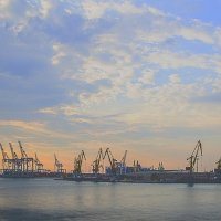 Карантинная гавань :: Дмитрий Гончаренко