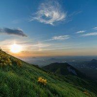 Малый Тау на закате :: Сергей Алтушкин