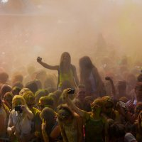 Фестиваль Холи в Измайловском кремле :: Артём Тараненко